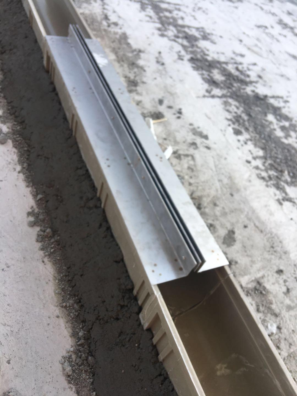 树脂缝隙式排水沟